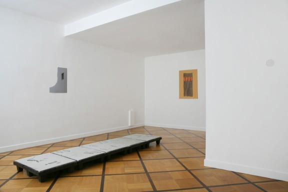 View of the exhibition <em>The Missing Evidence</em>, Centre d'édition contemporaine, Genève, 2006. Photo: © Sandra Pointet
